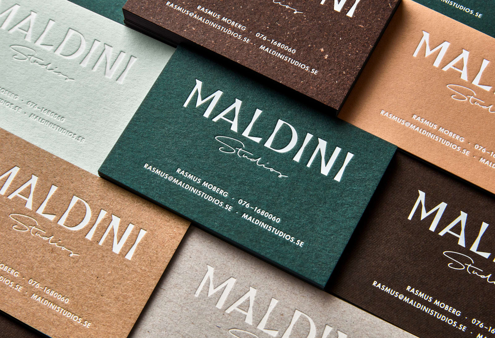 Identity for a Stockholm based interior design and carpenter firm.